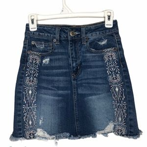 American Eagle Embroidered High Waist Skirt Size 2
